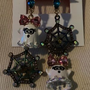 New Betsey Johnson Ghost & web dangle earrings